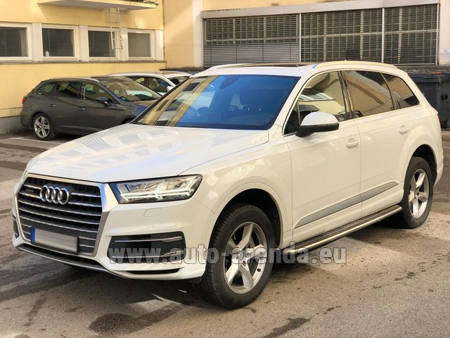 Hire and delivery to Berlin-Tegel airport the car Audi Q7 50 TDI Quattro White