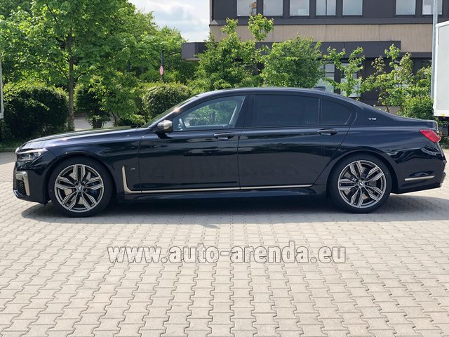 Rental BMW M760Li xDrive V12 in Nuremberg