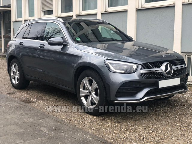 Rental Mercedes-Benz GLC 220d 4MATIC AMG equipment in Dresden