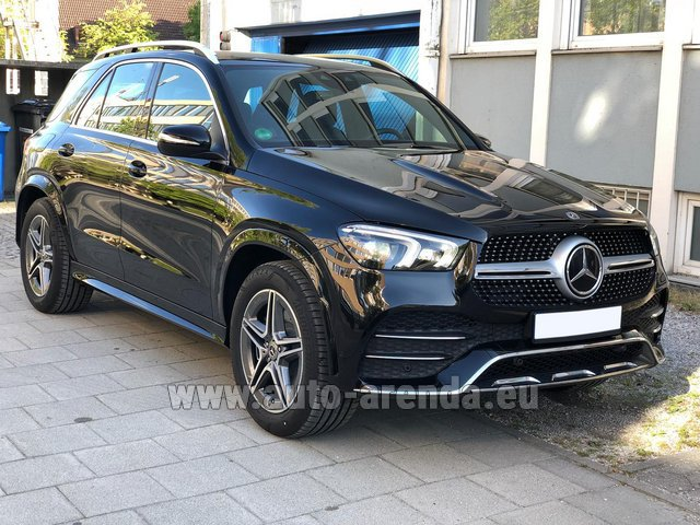 Hire and delivery to Memmingen airport the car Mercedes-Benz GLE 400 4Matic AMG equipment