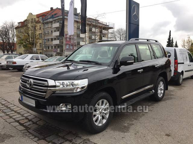 Rental Toyota Land Cruiser 200 V8 Diesel in Baden-Baden